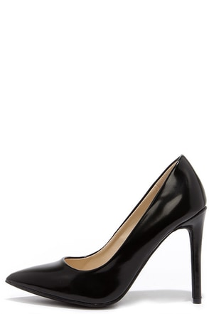 Sleekest Link Black Pointed Pumps at Lulus.com!