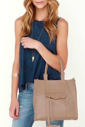 Like Tote-ally Taupe Tote at Lulus.com!