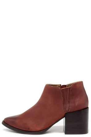 Matisse Victory Brick Leather Pointed Toe Booties at Lulus.com!