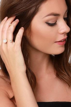 Bisou Bisou Gold Pearl Ring Set at Lulus.com!