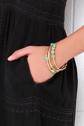 Home on the Range Turquoise and Gold Bangle Set at Lulus.com!