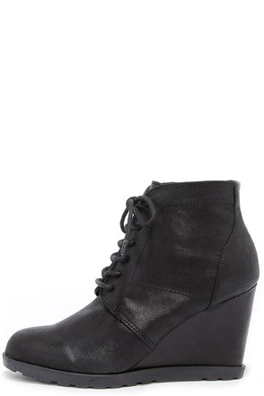 Madden Girl Claayton Black Wedge Booties at Lulus.com!