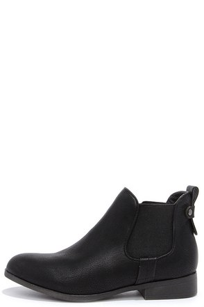 Madden Girl Draaft Black Chelsea Boots at Lulus.com!