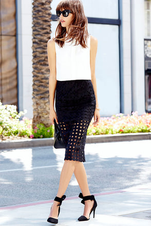 What the Buzz is About Black Pencil Skirt at Lulus.com!