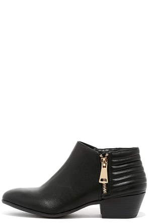 Looking for Adventure Black Ankle Boots at Lulus.com!