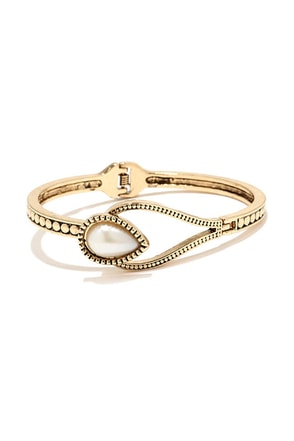 Lasso it Goes Gold and Pearl Bracelet at Lulus.com!