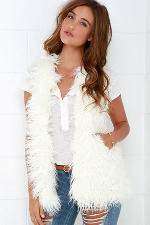 Black Swan North Ivory Faux Fur Vest at Lulus.com!
