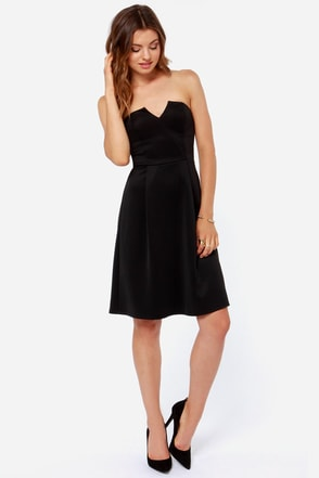 Keep Notch Strapless Black Midi Dress