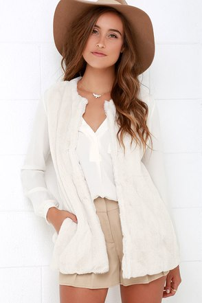 Denali Duchess Ivory Faux Fur Vest at Lulus.com!