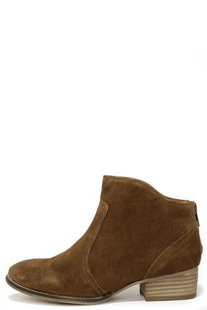 Seychelles Reunited Tan Suede Leather Ankle Boots at Lulus.com!