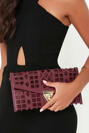 Geo du Jour Cutout Burgundy Clutch at Lulus.com!