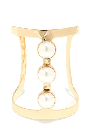 Tale of Three Pearls Gold and Pearl Cuff Bracelet at Lulus.com!
