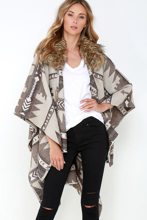 Black Swan Carlie Beige Print Faux Fur Poncho at Lulus.com!