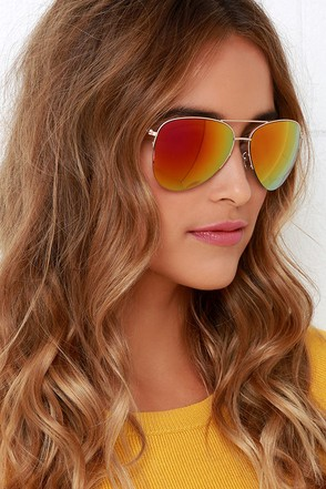 Polarize on the Prize Gold and Pink Mirrored Aviator Sunglasses at Lulus.com!
