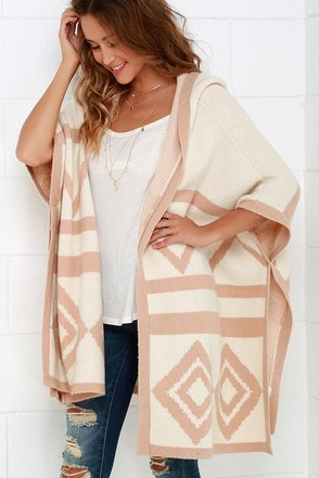Hazel Aura Blush and Cream Print Hooded Poncho at Lulus.com!