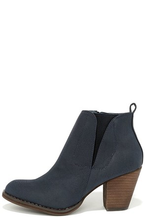 Chelsea Crew Halo Navy Blue Ankle Boots at Lulus.com!