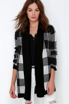 BB Dakota Jalen Black Plaid Cardigan Sweater at Lulus.com!