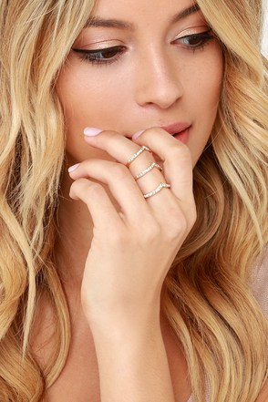 V My Guest Gold Rhinestone Ring at Lulus.com!