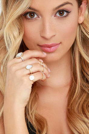 Hand in Hand Gold and Peach Ring Set at Lulus.com!