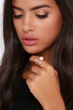 Dreaming of You Gold and Pearl Ring at Lulus.com!