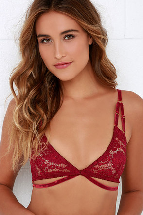 Somedays Lovin' Isabel Black Lace Bralette at Lulus.com!