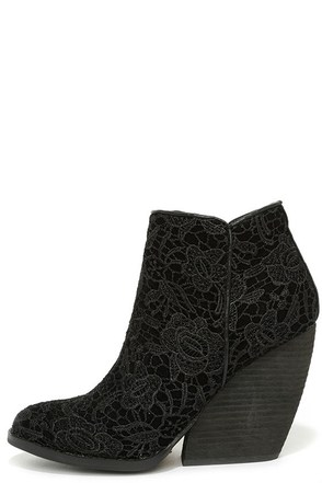 Very Volatile Ophelia Black Lace Wedge Booties at Lulus.com!