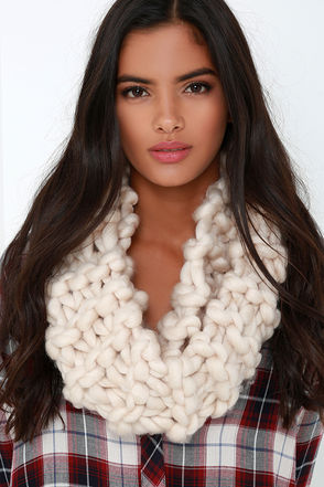 Beautiful Blur Beige Infinity Scarf at Lulus.com!
