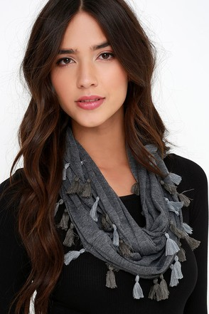 Former and the Flatter Grey Infinity Scarf at Lulus.com!