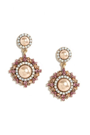 Worth the Ornate Pink and Pearl Earrings at Lulus.com!