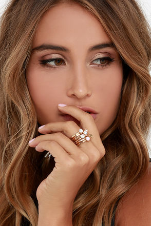 Anonymous Tip Gold Rhinestone Ring Set at Lulus.com!