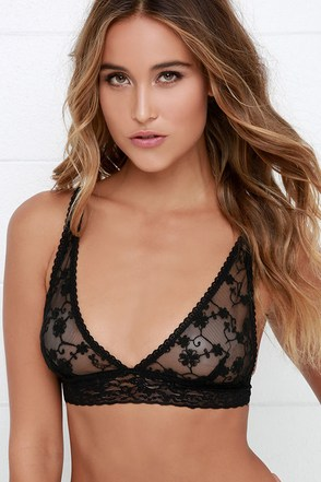 Top Drawer Black Lace Bralette at Lulus.com!