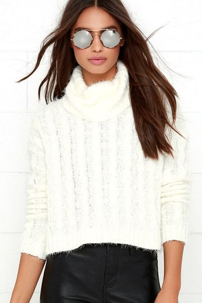 Mineral Springs Ivory Cable Knit Crop Sweater at Lulus.com!