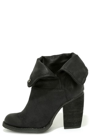 Sbicca Chord Black Fold-Over Boots at Lulus.com!