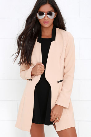 Main Foyer Black and Blush Jacket at Lulus.com!