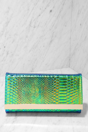 Mermaid Minute Green Hologram Clutch at Lulus.com!