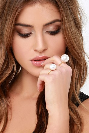 Tiny Baubles Gold Pearl Ring Set at Lulus.com!