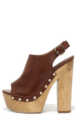 Steve Madden Slngshut Cognac Leather Platform Clogs at Lulus.com!