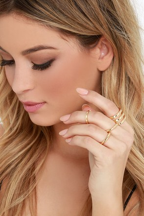 Stack Bar Gold Ring Set at Lulus.com!