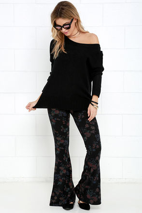 O'Neill Skye Black Floral Print Flare Pants at Lulus.com!