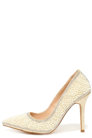 Luxe-y Charm Nude and Gold Pearl Rhinestone Pumps at Lulus.com!