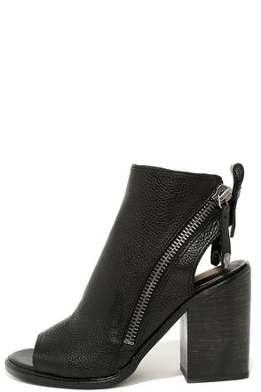 Dolce Vita Port Black Leather Peep Toe Ankle Booties at Lulus.com!