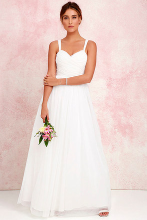 Sunday Kind of Love Ivory Tulle Gown at Lulus.com!
