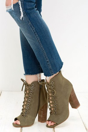 Steve Madden Freemee Green Nubuck Leather Peep-Toe Booties at Lulus.com!