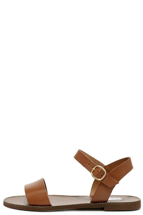 Steve Madden Donddi Tan Leather Flat Sandals at Lulus.com!