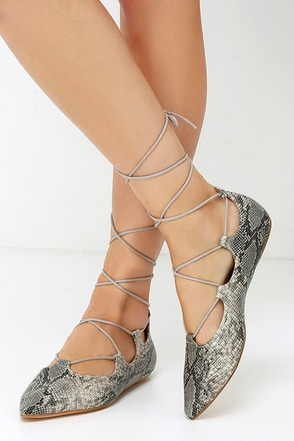 Chelsea Crew Gigi Snakeskin Lace-Up Flats at Lulus.com!