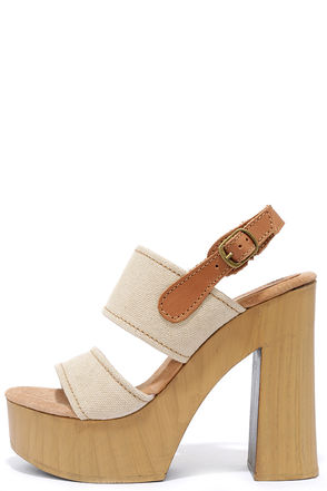 Sbicca Annabella Natural Platform Sandals at Lulus.com!