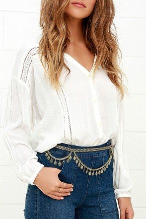 Dance the Fandango Gold Chain Belt at Lulus.com!