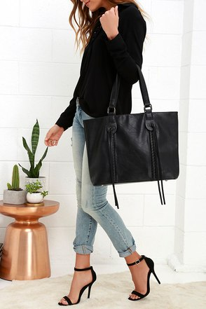 Braid to Order Brown Tote at Lulus.com!