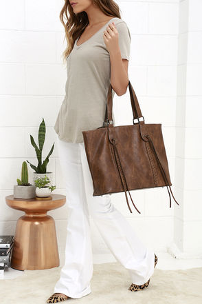 Braid to Order Black Tote at Lulus.com!