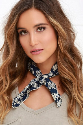 Bold-Fashioned Ivory and Navy Blue Floral Print Bandana at Lulus.com!